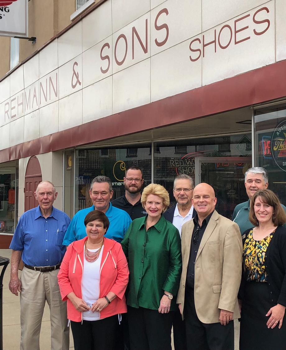 Senator Stabenow visits Rehmann and Sons Clothing in Chesaning (3)