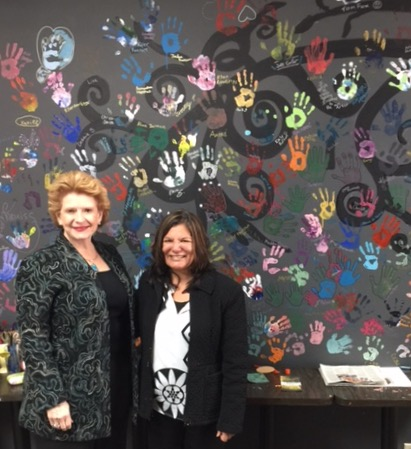 Senator Stabenow visits Studio Retreat and Art Gallery in St. Johns.