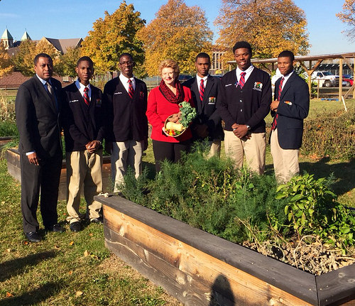 Senator Stabenow Announces New Federal Funding to Help Expand Detroit's Urban Agriculture Efforts